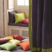 Regal Cushion w Curtains